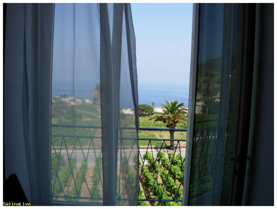 ARTEMISIA3 - Casa Vacanze - Malfa 10