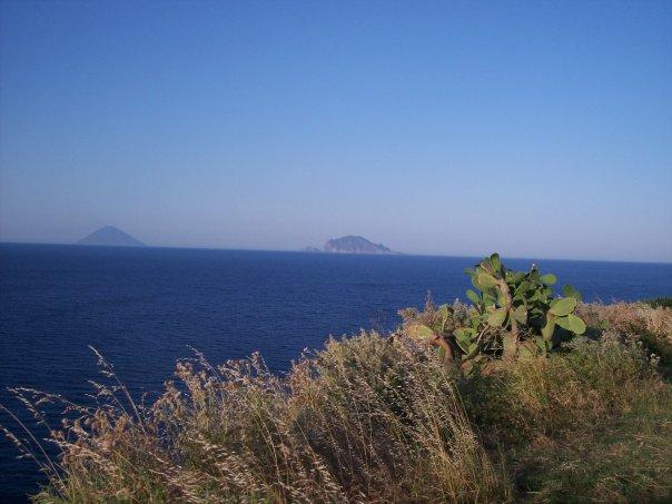 Stromboli e Panarea viste da Malfa