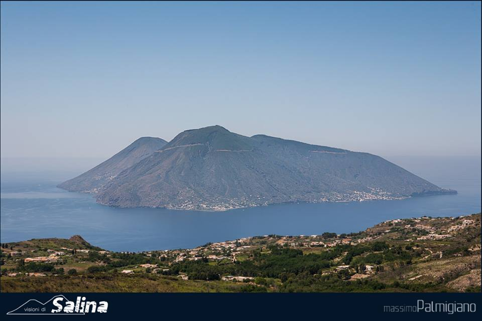 Salina vista da monte Sant'Angelo a Lipari